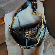 小香風包包女包2020新款秋冬時尚洋氣斜挎鏈條包百搭菱格真皮胸包