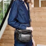 單肩背包斜挎包新款時尚女簡約百搭酷潮女街頭個性寬帶背包