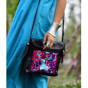 包包新款女式斜跨包真皮民族風刺繡流蘇小方包單肩女包批發
